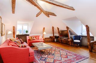 巧装阁楼饰爱家 101平米的暖色阁楼设计
