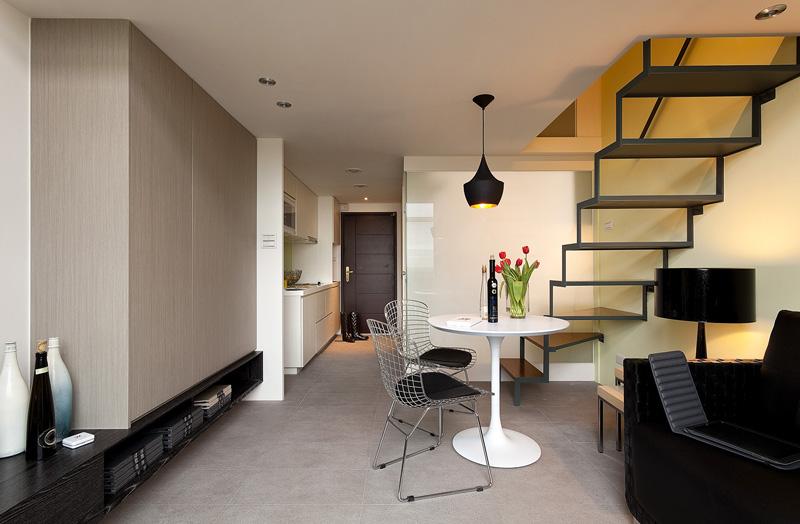 简约小复式 楼梯镂空设计营造小资范儿
