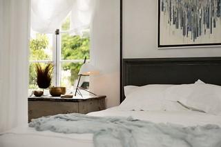 旧金山风格的现代卧室展示