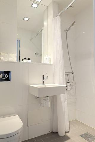 北欧风格一居室简洁整体卫浴效果图