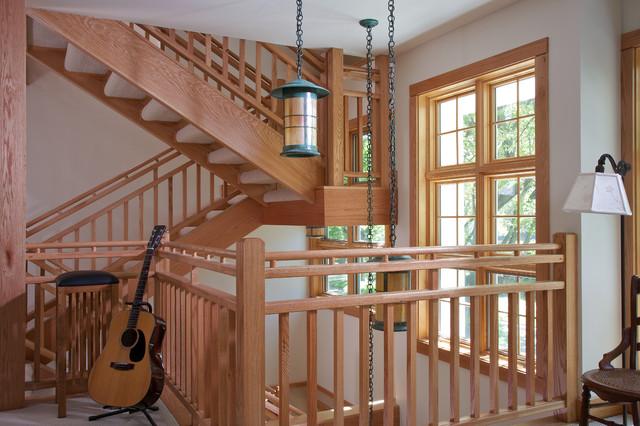 木质楼梯的别墅 原生态