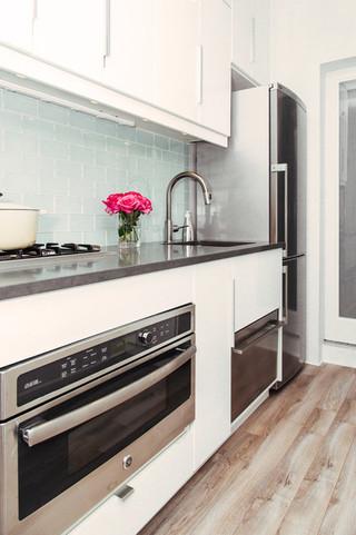 现代简约风格卧室一层半别墅客厅简洁木地板专卖店图片