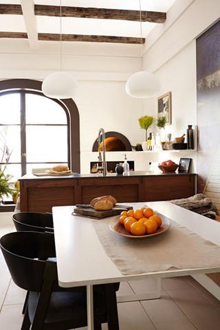 现代北欧风格老年公寓简单实用客厅与餐厅装修效果图
