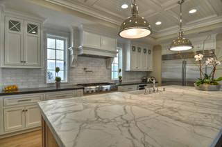 现代简约风格客厅三层半别墅实用客厅厨房吧台装修效果图