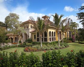 地中海风格客厅一层别墅舒适室内入户花园装修效果图