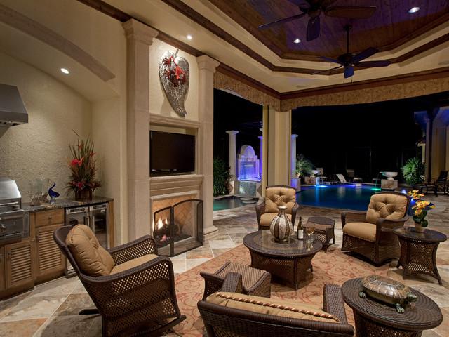 地中海风格三层别墅舒适砖砌真火壁炉设计图图片