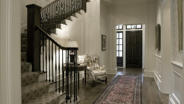 欧式风格一层半小别墅奢华雕花木门图片