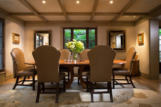 奢华红木餐桌图片
