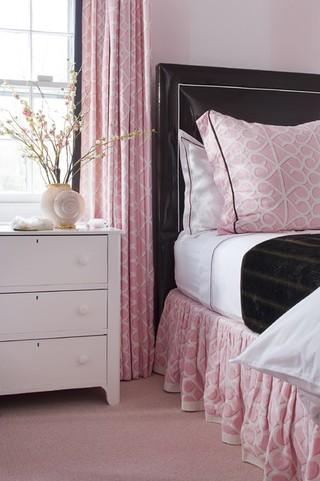现代欧式风格单身公寓厨房唯美卧室榻榻米床效果图