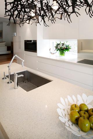 现代简约风格三层独栋别墅现代简洁一体式台盆图片