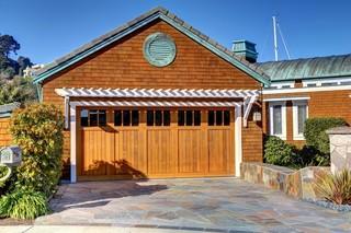 地中海风格室内三层别墅及简单实用开放漆木门效果图