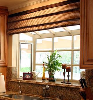 美式风格客厅2013二居室舒适飘窗台面设计