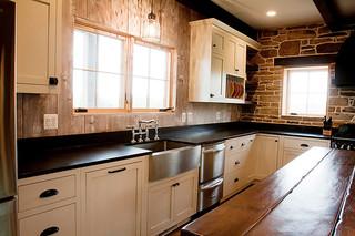美式乡村风格一层别墅及新古典卫生间客厅窗户效果图