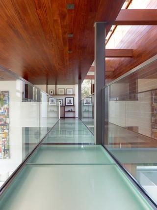 现代简约风格三层半别墅唯美室内窗户效果图