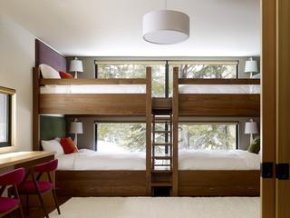 简约风格三层平顶别墅卧室温馨实木高低床图片