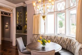 欧式风格卧室一层半小别墅现代奢华实木圆餐桌效果图