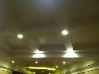 现代简约风格餐厅一层别墅简约时尚客厅灯具效果图
