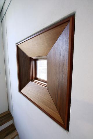 美式风格客厅一层半小别墅大方简洁客厅室内窗户效果图