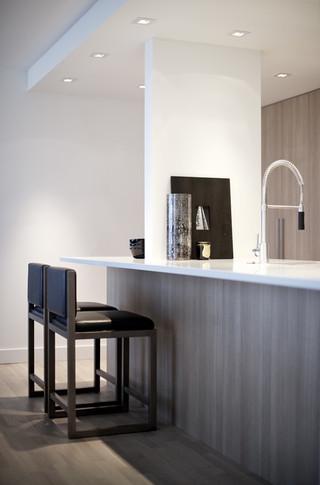 现代简约风格客厅三层别墅及艺术家具宜家椅子图片
