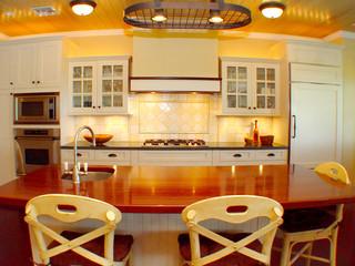 现代东南亚风格一层别墅浪漫卧室红木家具餐桌效果图