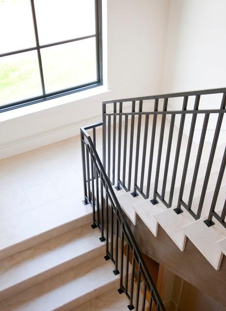 欧式风格家具一层别墅及大方简洁客厅别墅楼梯设计图设计