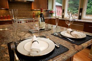 美式乡村风格客厅一层半别墅简单温馨大理石餐桌图片