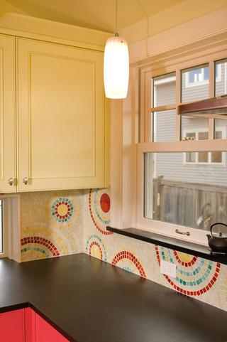 宜家风格一层半别墅可爱卧室圆形餐桌图片