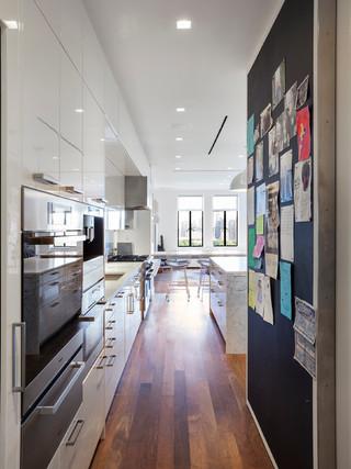 欧式风格客厅三层别墅及艺术家具客厅过道装修效果图