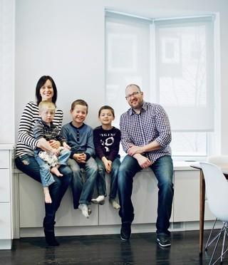 现代简约风格客厅3层别墅白色家居装修效果图