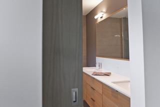 现代简约风格卧室3层别墅现代简洁主卫改衣帽间装修