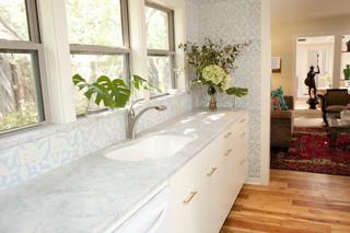 现代欧式风格一层半小别墅小清新开放式厨房餐厅装修效果图