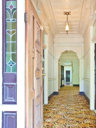 东南亚风格家具三层连体别墅另类卧室白色家居装修图片