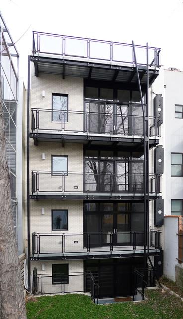 现代简约风格客厅三层独栋别墅时尚简约阳台别墅客厅效果图上海市护栏翡翠地址图片