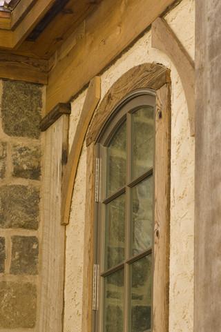 美式乡村风格三层半别墅浪漫婚房布置客厅窗户效果图