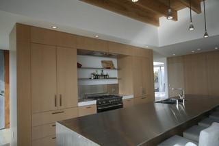 现代欧式风格三层平顶别墅唯美大理石餐桌图片