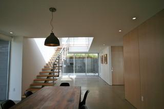 欧式风格家具三层别墅及唯美门厅过道吊顶设计图