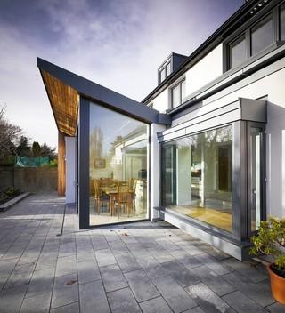 欧式风格三层连体别墅唯美底楼阳光房装潢