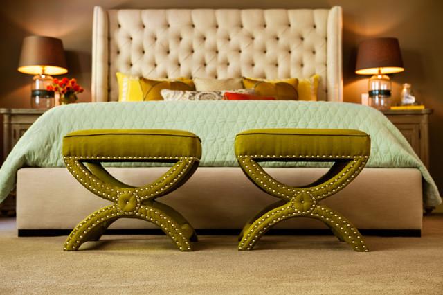 现代美式风格三层独栋别墅温馨卧室13平米卧室设计图