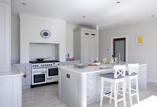 现代欧式风格三层别墅大气整体厨房颜色效果图