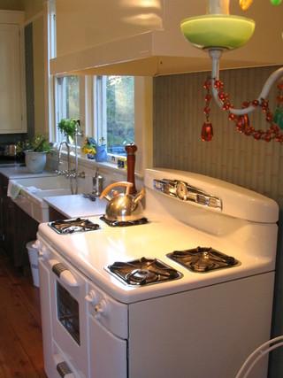 美式乡村风格三层别墅及温馨卧室小家电图片