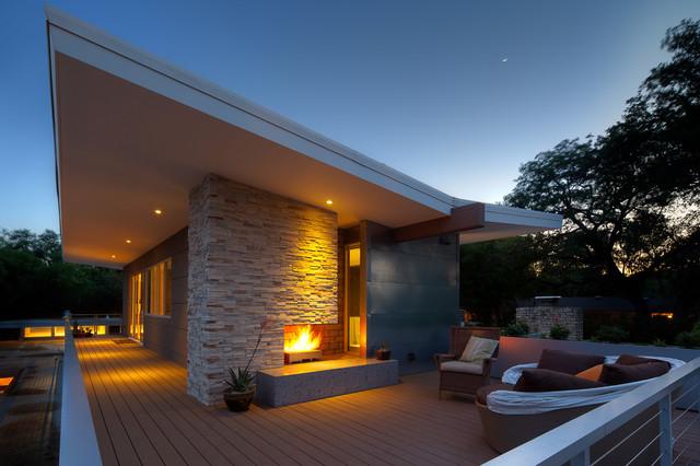 美式风格三层平顶别墅唯美阳台护栏装修图片