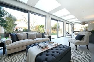 宜家风格一层别墅舒适三人沙发图片