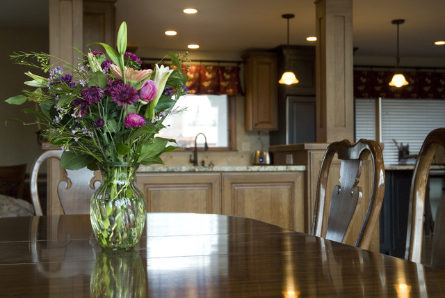 田园风格吊顶三层半别墅简单温馨厨房和餐厅设计