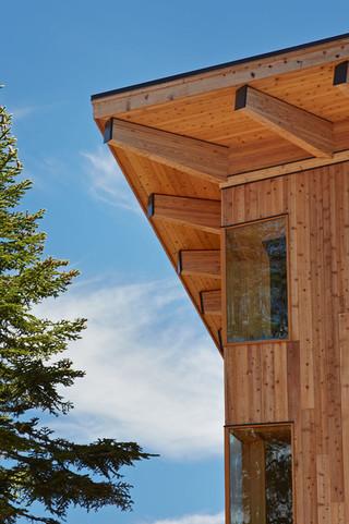 现代美式风格一层半别墅浪漫卧室阳台窗户效果图