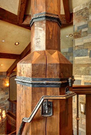 美式乡村风格三层别墅浪漫卧室室内装修楼梯设计图