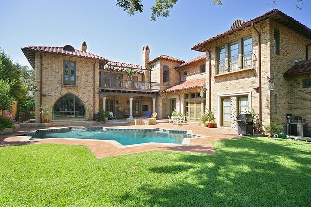 美式风格三层独栋别墅豪华私家庭院装修效果图