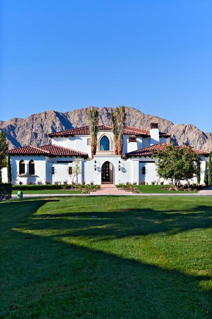 美式风格一层别墅及豪华客厅花园效果图