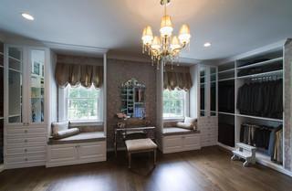 欧式风格家具一层半小别墅豪华欧式卧室小型衣帽间装潢