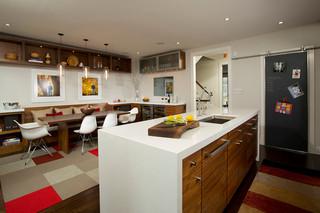 美式风格公寓大方简洁客厅 酒架图片