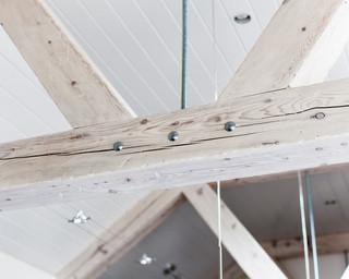 欧式风格卧室小户型公寓唯美实木挂衣架效果图